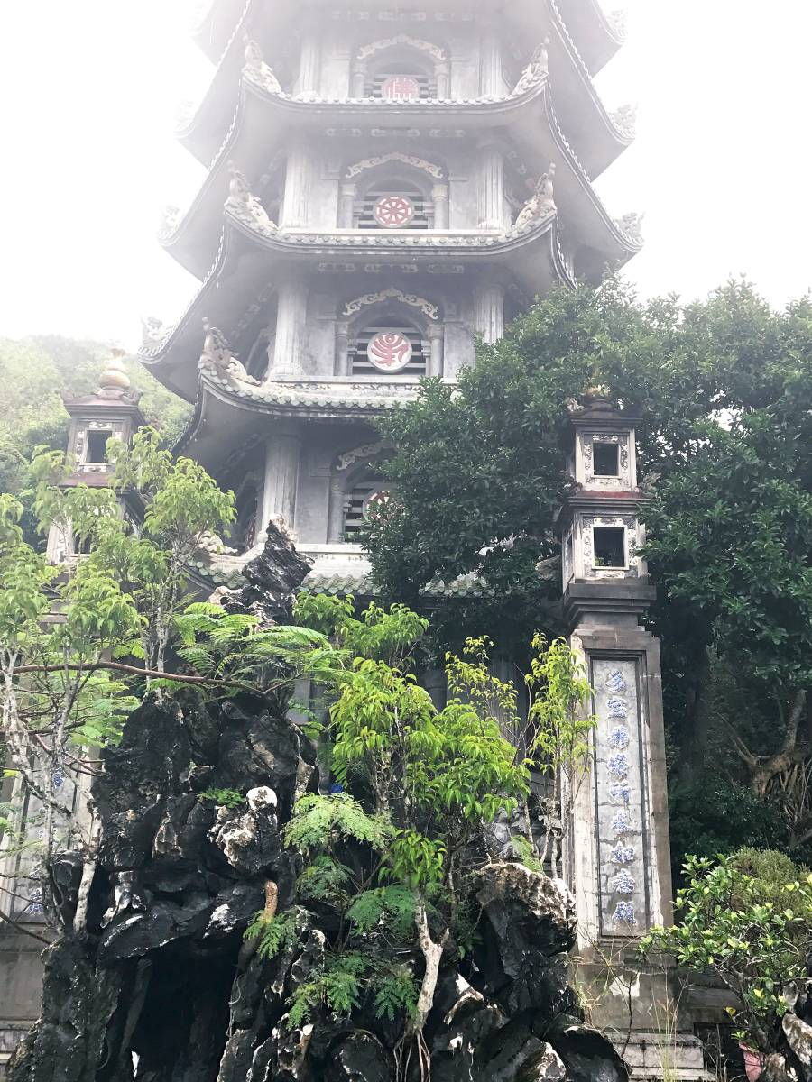 Marble Mountin See Watch pagoda